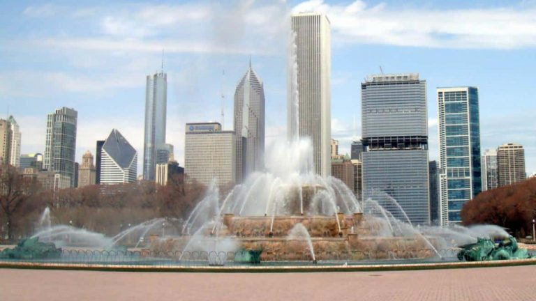 Amazing Facts About Buckingham Fountain